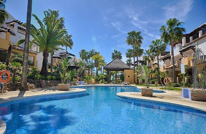 Properties for sale in Bahia de Marbella