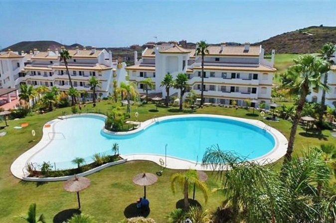 Properties for sale in Calanova Golf