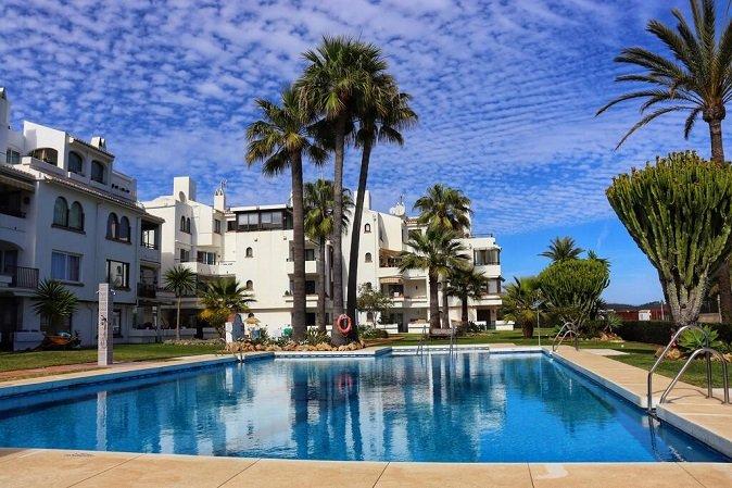 properties for sale in los flamingos